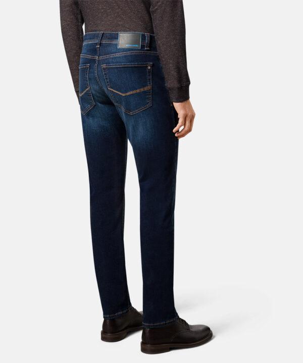 Pierre Cardin model 8820.01 bagfra fuld figur